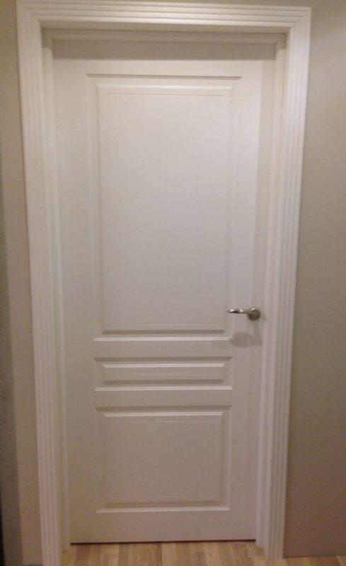 Белая дверь эмаль Турин глухая