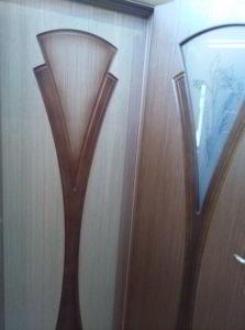 Дверь межкомнатная шпонированная «Флора» Дуб (Шпон файн-лайн) остекление художественное