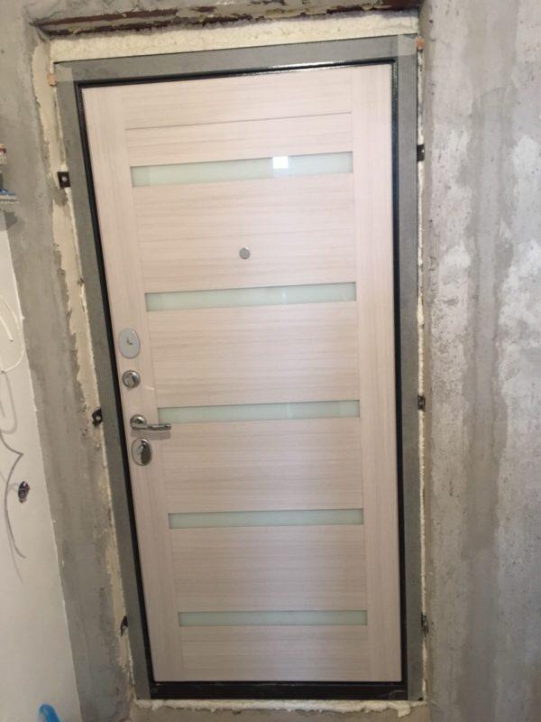 Входная дверь Ульяновская Президент Х7 панель белый сандал