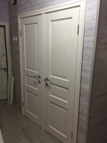Двери в санузел Версаль 40005 ясень перламутр