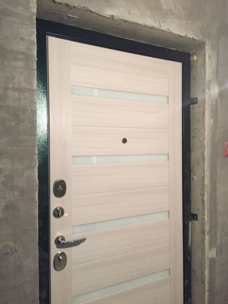 Входная дверь Президент Х7 белый сандал