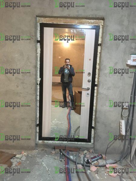 Президент LUXE входная дверь с зеркалом